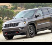 2022 Jeep Cherokee Trailhawk Wheel Drive Winch Bumper Blue Rims