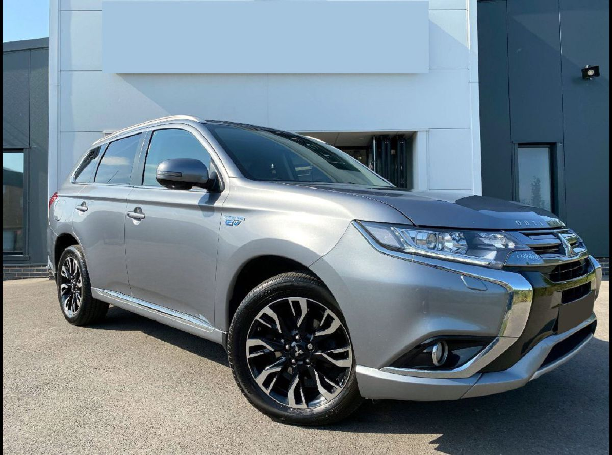 2022 Mitsubishi Outlander Is Reliable Battery Black Bluetooth Edition