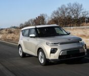 2022 Kia Soul Front Wheel Drive Battery Black Bolt