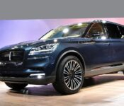 2022 Lincoln Aviator Near Colors Cargo Space Commercial