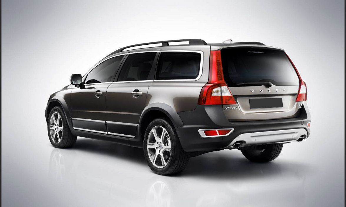 2022 volvo xc70 all wheel drive replacement a lease
